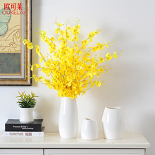 Modern simple living room decoration simulation artificial flowers, dry flowers, flower arrangement, TV cabinet, Ceramic Vase Decoration