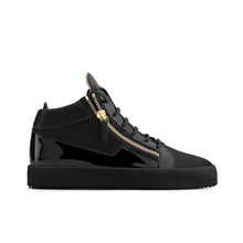 Overseas authentic spike-heeled Giuseppe Zanotti GZ 18 ss black full skin for casual shoes in gold