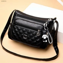 The new model of Baitao Atmospheric Middle-aged Women's Bag Mother Bao's Bag with Multi-layer Soft Cortex Sense Single Shoulder Slant Bag in 2019