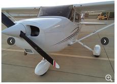 Самолет Cessna 2004 172S (4