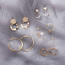 Five pairs of earrings, fashionable, visible and slim suit
