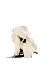 Zhang Dayi's girl's white duck down jacket