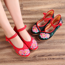 Spring and autumn old Beijing cloth shoes embroidered ethnic style embroidery non slip flat square cloth shoes