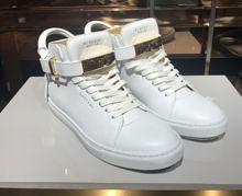 BUSCEMI本物の白い革のバックルは、ユニークなデザインスタイルの低い靴1007SP14-100MM