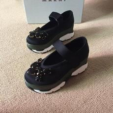 Водонепроницаемая женская обувь